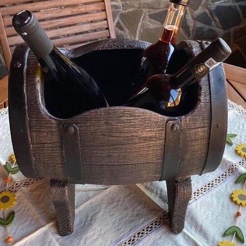 Salsa S ruukku ja viinipullot Tynnyrimies